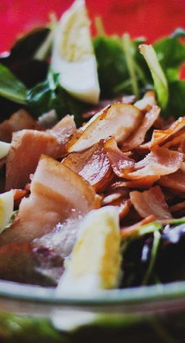 Green salad mix with bacon